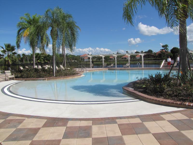 Aviana Resort Swimming Pool