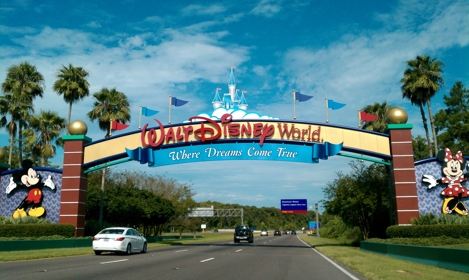 Entrance to Disney World Orlando