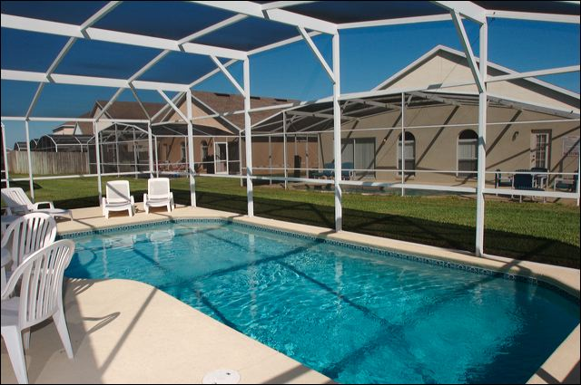 Hampton Lakes Rental Home Pool