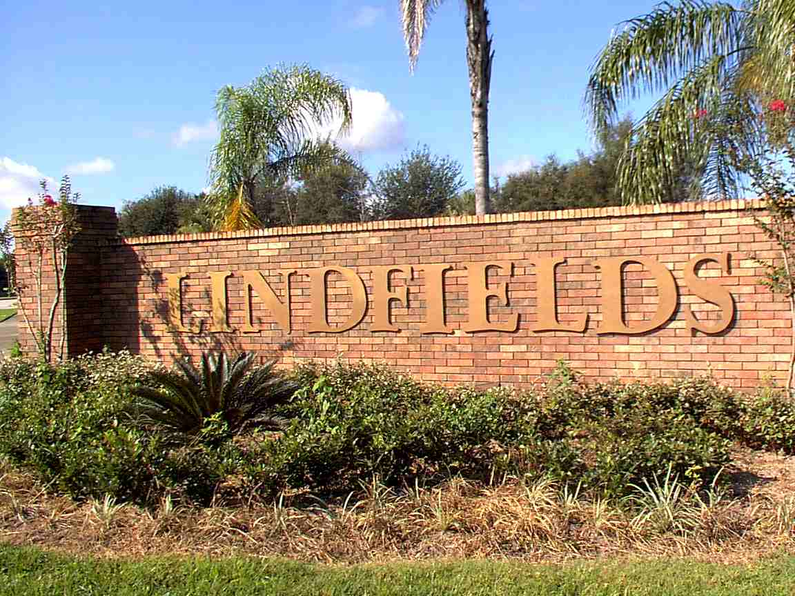 Lindfields Entrance