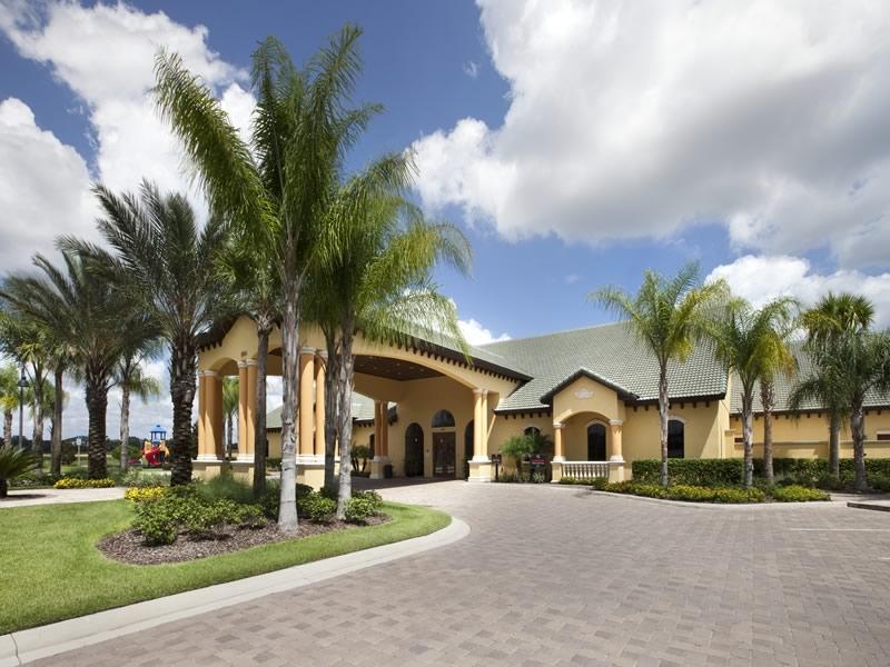 Paradise Palms Resort Entrance