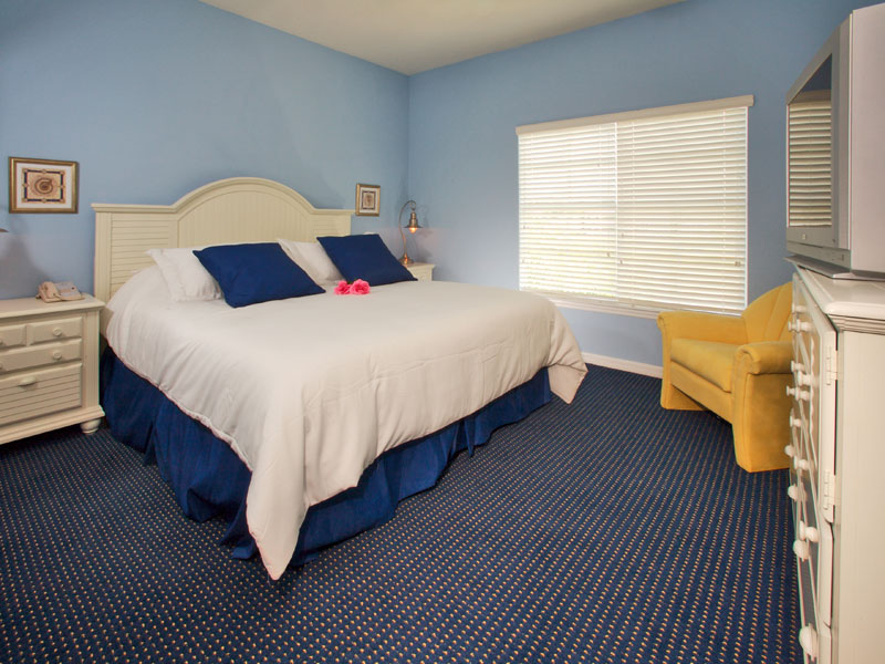 Runaway Beach Club Kissimmee Master King Bedroom
