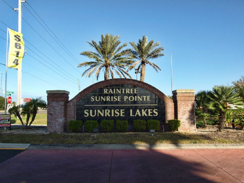 Sunrise Lakes in Clermont