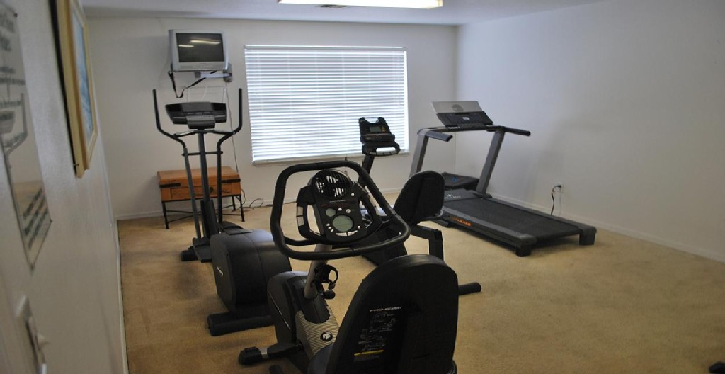 Villas at Island Club Fitness