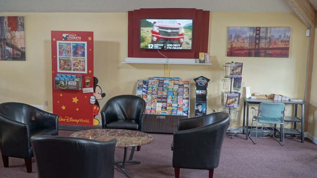 Villas of Somerset Clubhouse Lobby