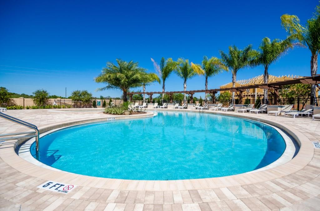 West Lucaya Village Resort